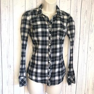 🔷BOGO🔷🆕 Guess plaid button down shirt small